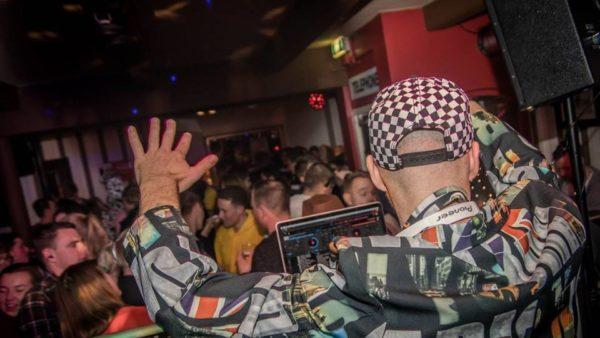5 redenen waarom een professionele dj inhuren
