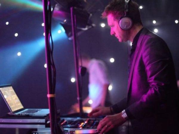 DJ voor een feest