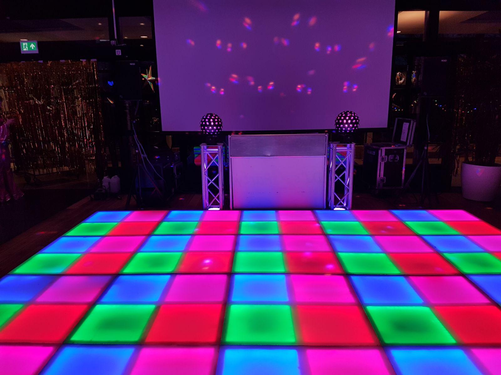 Foto DJ show met discovloer
