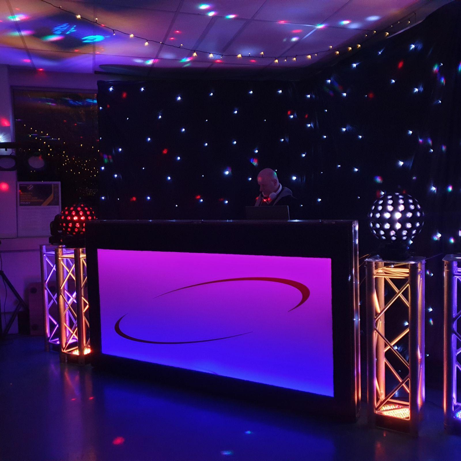 dj en drive in shows voor feesten